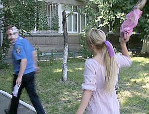 � ����� ���������� Femen ��������� ������ � ������� ��� ������� (�����)