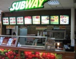Скандал! Работники американского ресторана Subway кладут половой орган на хлеб и морозят мочу / 24.07.13 / В мире / РИА Новый Де