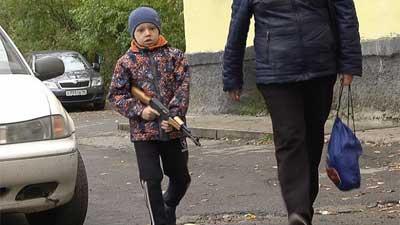 Треть граждан России поддерживает право бить детей