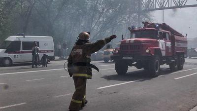 ВЕкатеринбурге впожаре  мужчина выпрыгнул изокна