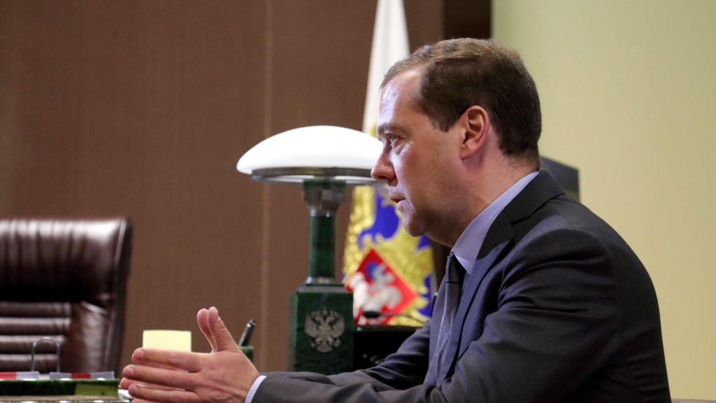Медведев нашел общий язык с Сечиным: правительство «четвертного срока» будет инерционным