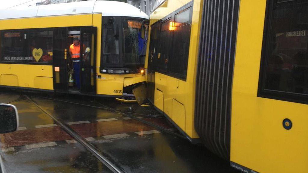 Два трамвая столкнулись вцентре Берлина, 27 раненых