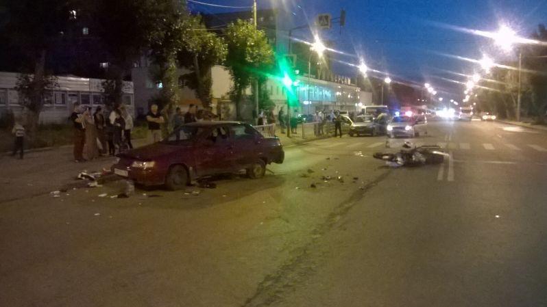 ВЕкатеринбурге мотоцикл врезался в легковую машину: один человек умер, другой получил травмы