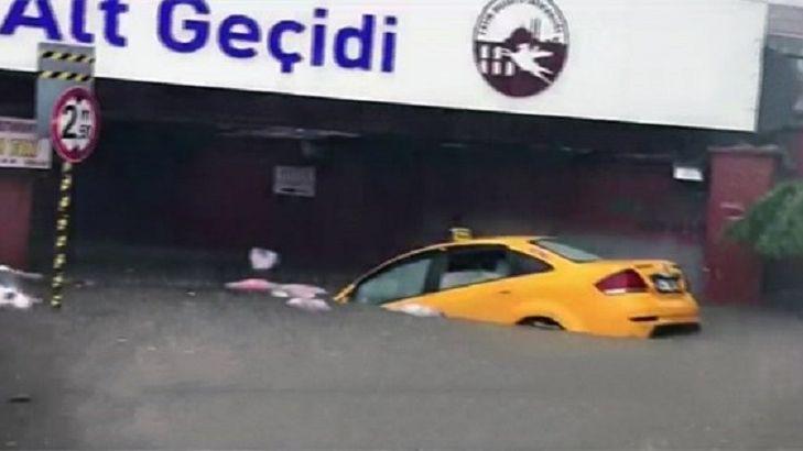 Обрушившийся наСтамбул ливень парализовал работу городского метро