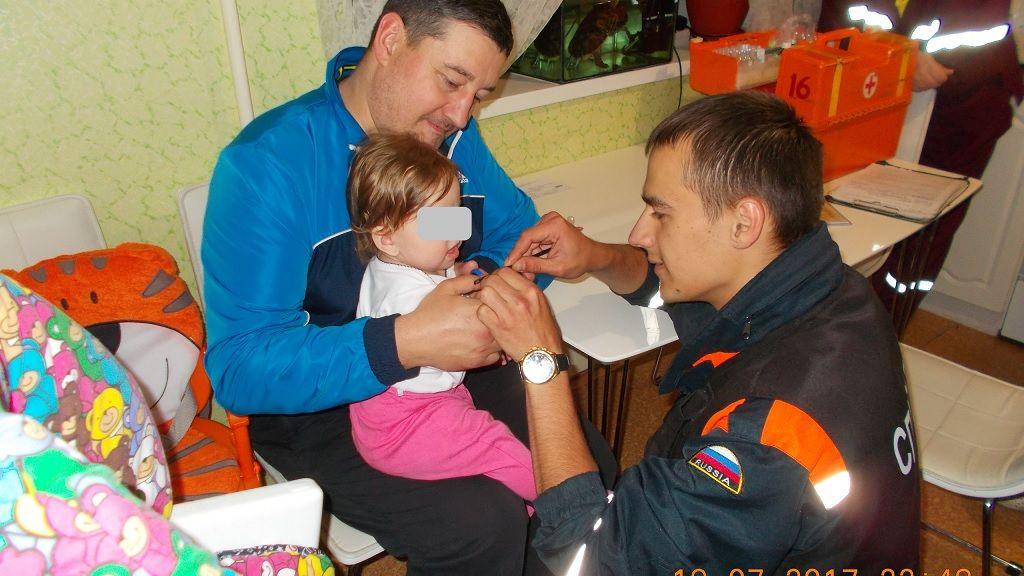 ВЧереповце спиннер сруки малыша довелось снимать спасателям