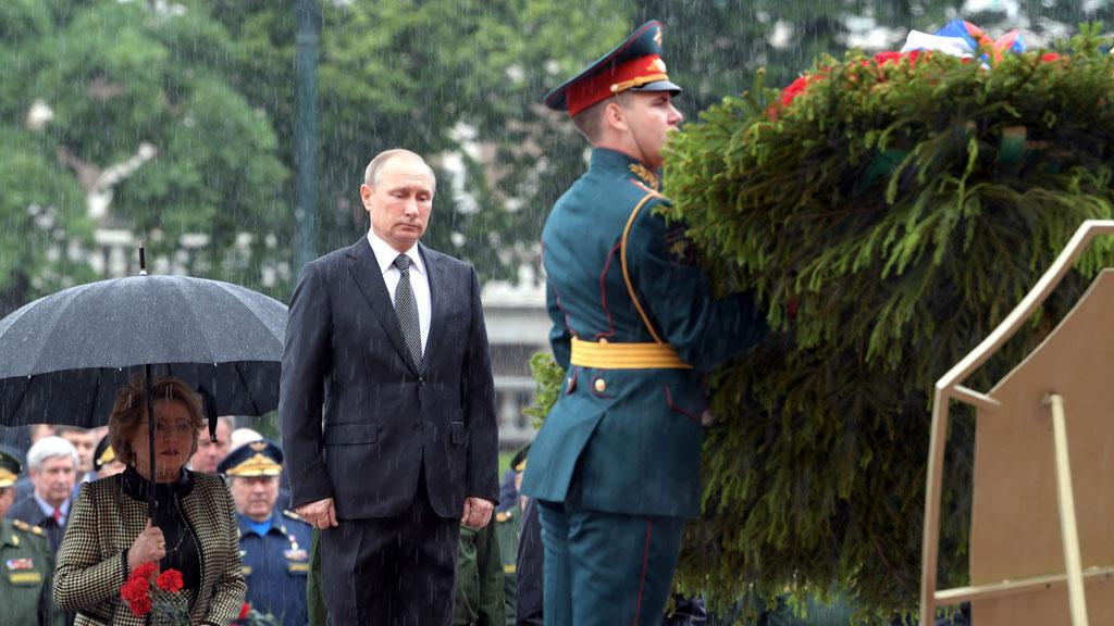 Несахарный— Путин пояснил отказ отзонта вДень памяти искорби