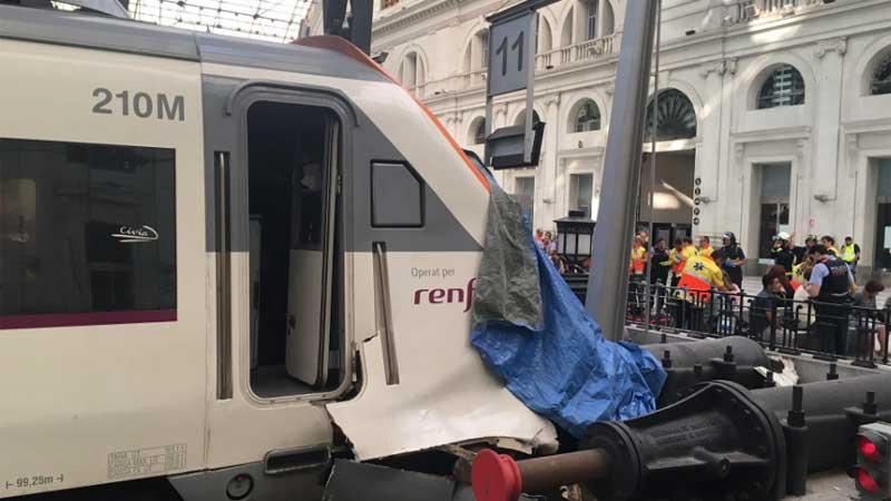 Около 50 человек пострадали вБарселоне в трагедии споездом