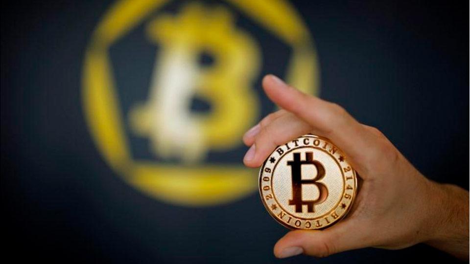 Вирутальный распад: «традиционный» биткоин разделился надве криптовалюты