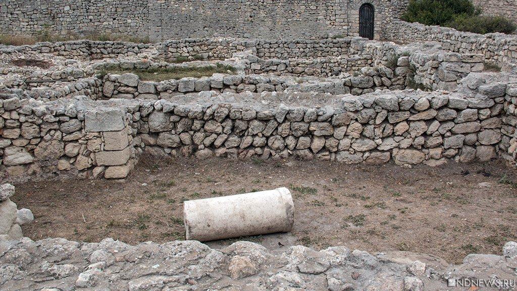 Археологи обнаружили вКрыму алтарь спартанцев III века донашей эры
