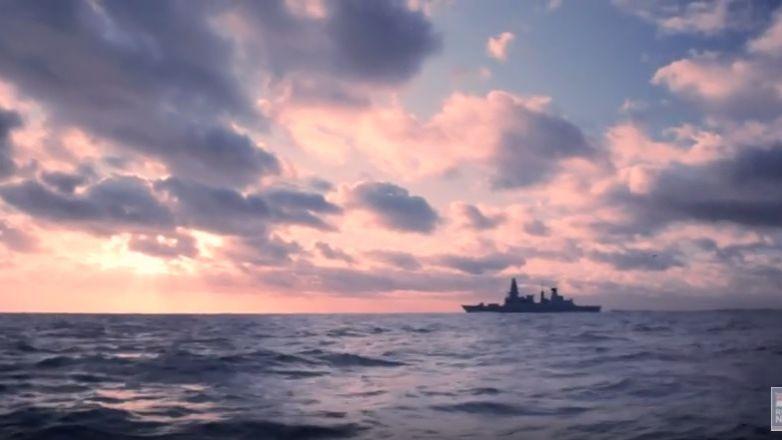 Британский флот превратился вобъект насмешек— The Daily Telegraph