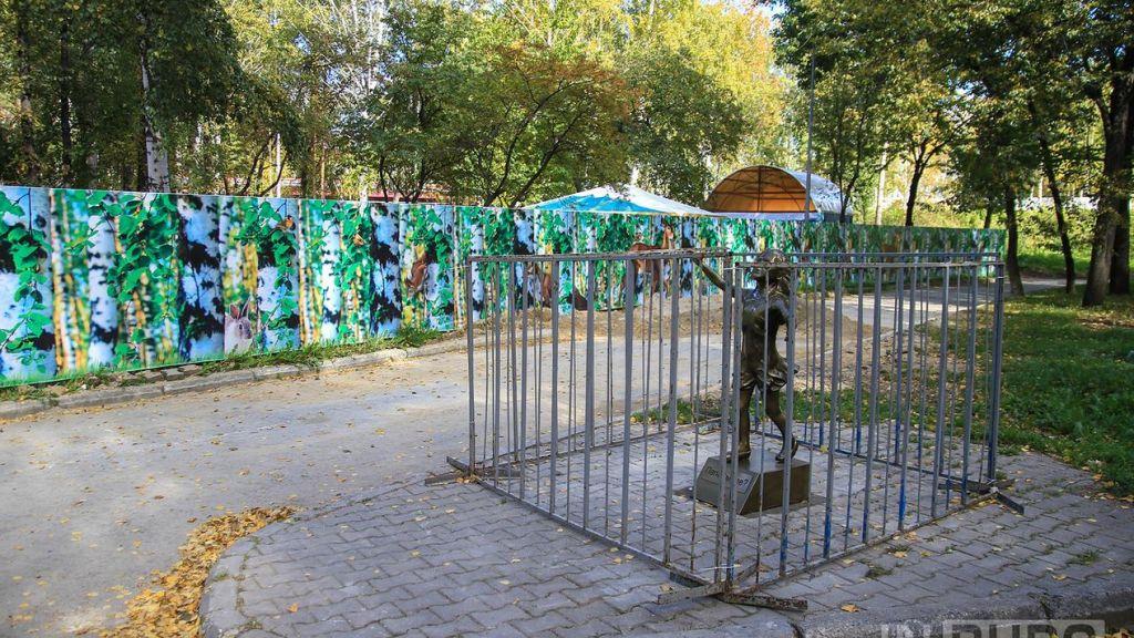 ВБерезовском неизвестные разрушили скульптуру, которая простояла всего пару часов