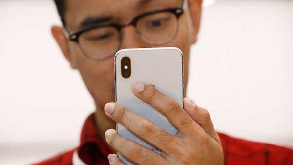 ВApple поведали  опроблеме вновых iPhone X
