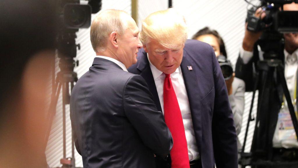 Экс-глава ЦРУ: Путин мог напугать  Трампа