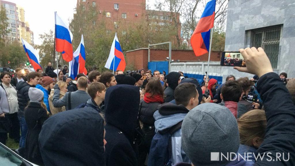 Совфед: российскую молодежь готовят стать «инструментом для госпереворота»