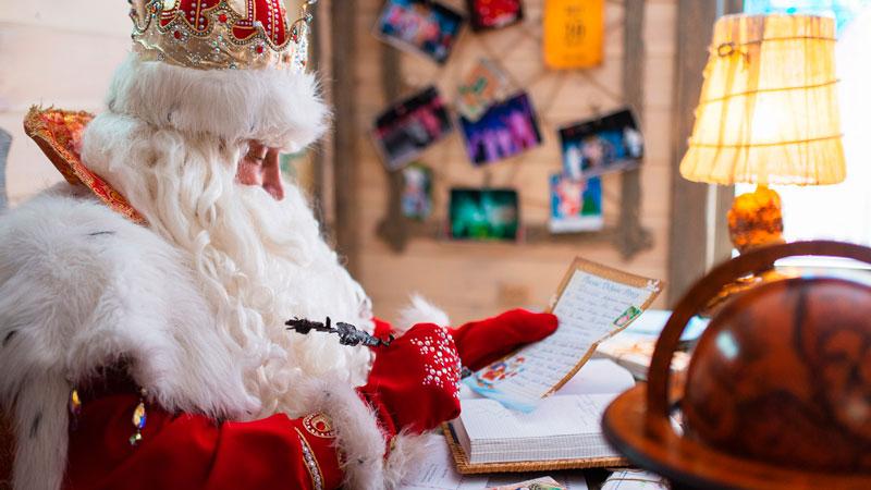 Почта Российской Федерации предлагает северянам писать вологодскому дедушке Морозу