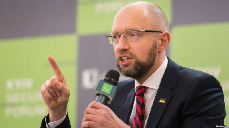 Прежнего премьера Украины Арсения Яценюка задержали ваэропорту Женевы