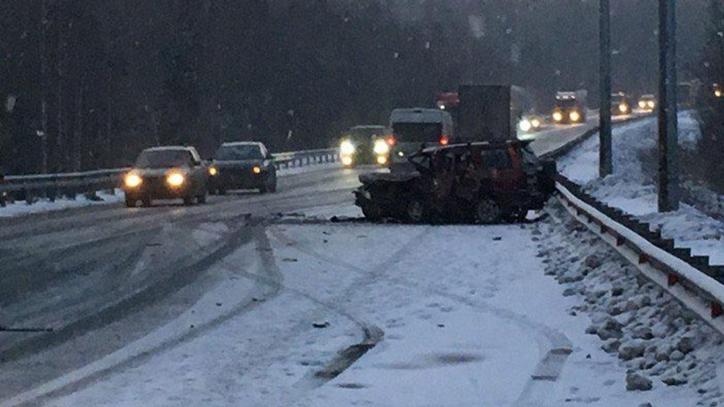Два человека погибли в трагедии стремя авто натрассе Екатеринбург— Пермь