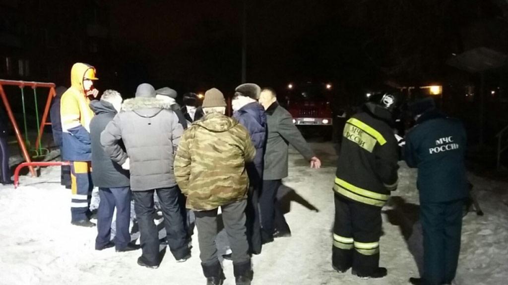 В поселке Садовом взрыв газа, 40 человек эвакуированы, в пятиэтажке треснула стена (ФОТО)