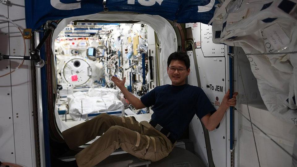 Нетак измерили: японский астронавт извинился зафейк про собственный рост