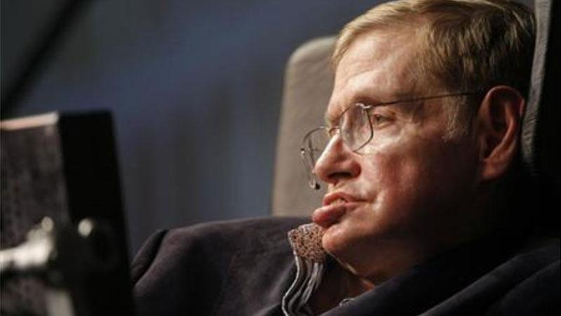 «Человек в инвалидной коляске смог объяснить людям, что наука – это охрененно»: уральские ученые о Стивене Хокинге