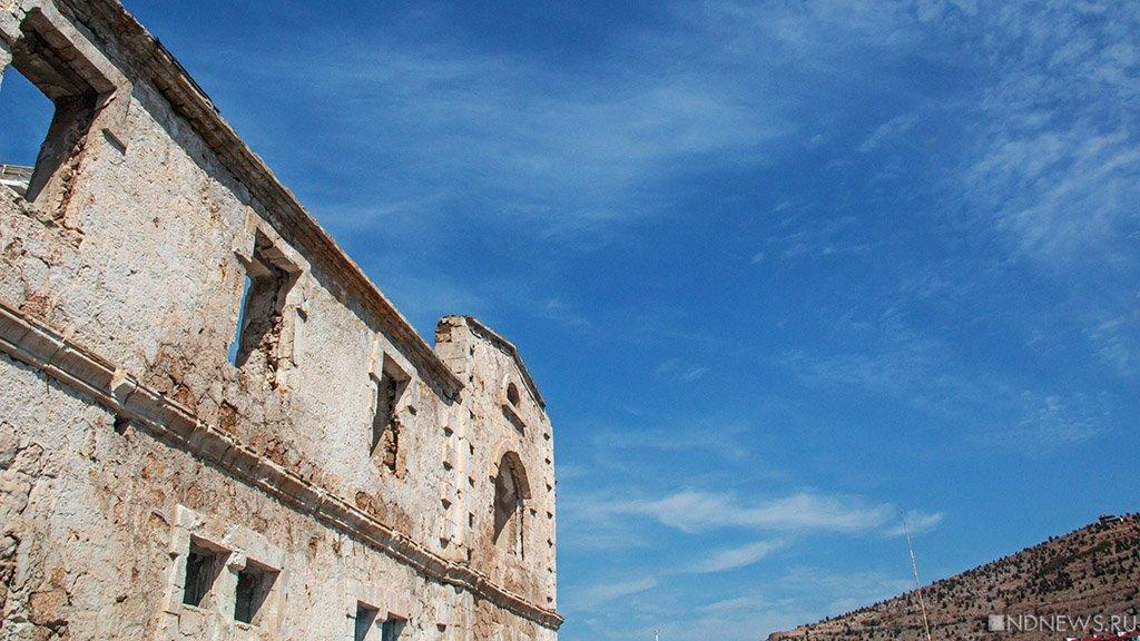 В южноуральском поселке развалилось здание: возможны пострадавшие