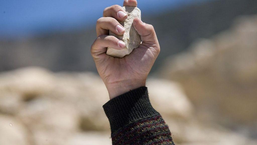 В Польше забросали камнями россиянку с маленькой внучкой