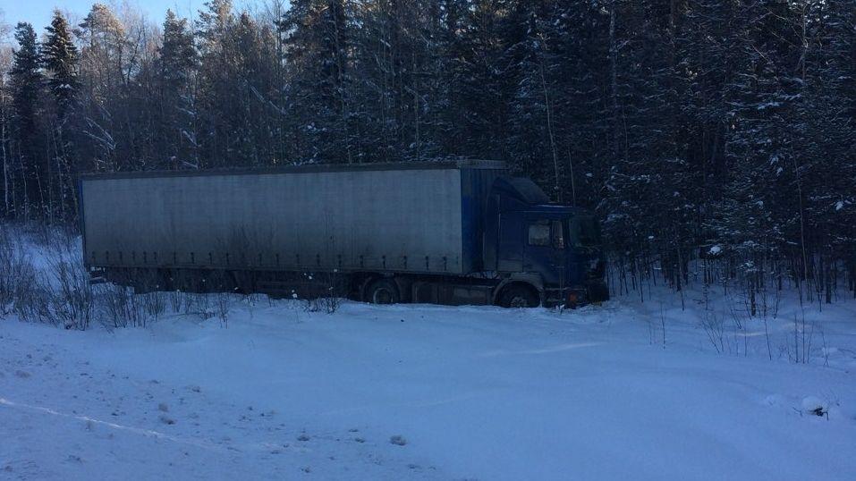 «500 кмпроехал собмороженными руками»: натюменской трассе спасли дальнобойщика