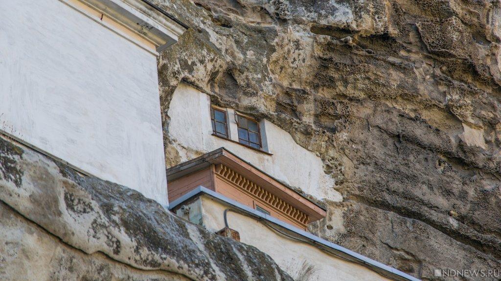 Вопросы иответы опожаре натерритории Свято-Успенского Бахчисарайского мужского монастыря
