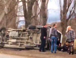 Под Симферополем перевернулся автобус