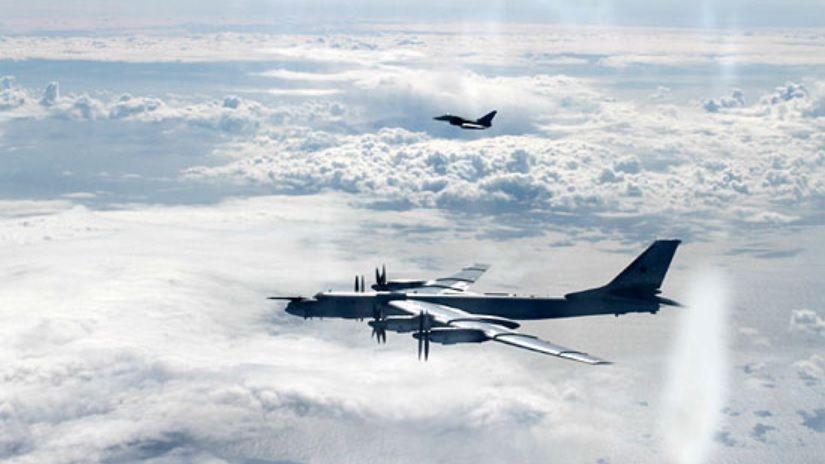 Япония подняла в воздух истребители из-за российских ракетоносцев
