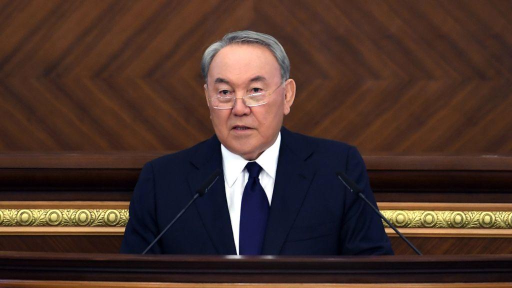 Назарбаев настаивает на 1-процентном налоге для бедных и ипотеке под 7% годовых