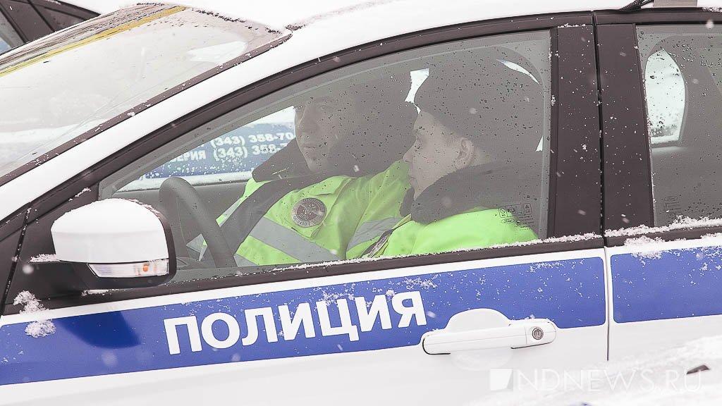 Под Богдановичем на трассе загорелся автобус