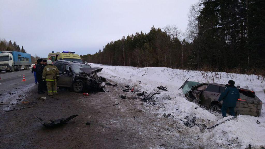 На трассе нижний тагил екатеринбург семерка сбила водителя попавшего в аварию