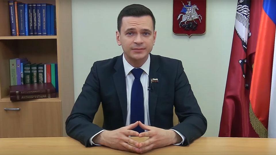 Военный комиссариат столицы уличил Илью Яшина вовранье