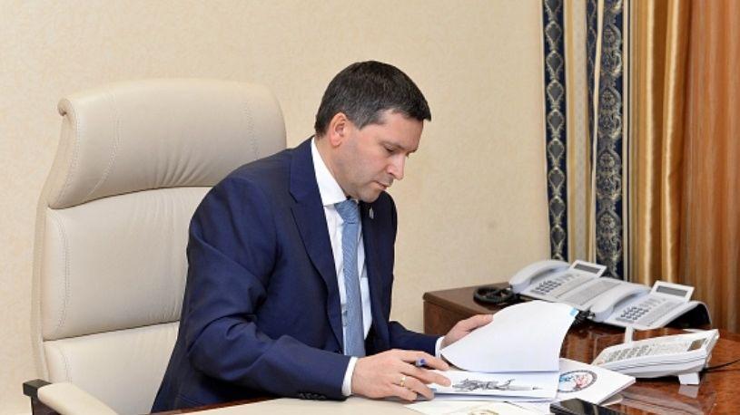 Губернатор Ямала остался бесквартирным и«безлошадным»