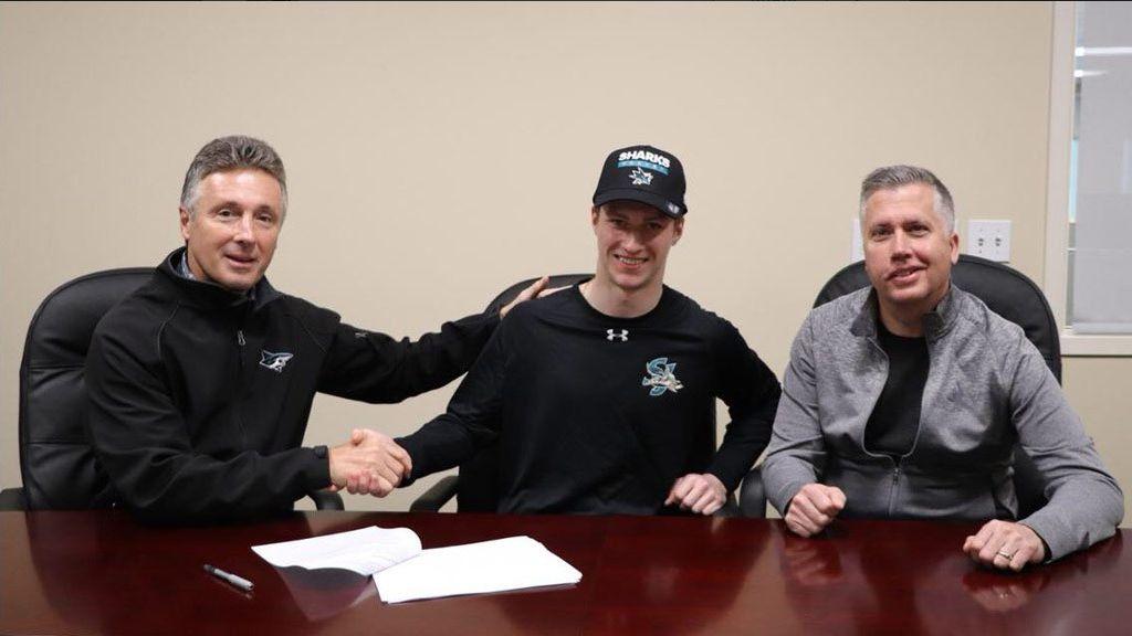 Житель россии Чехович подписал договор склубом НХЛ «Сан-Хосе»