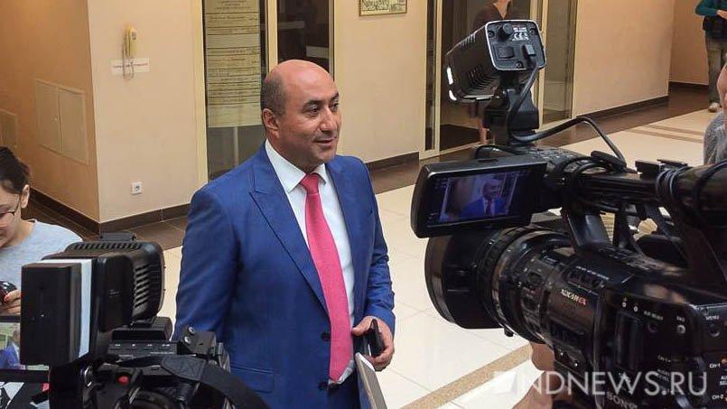 Лишенный мандата депутат Армен Карапетян подал всуд назаксобрание