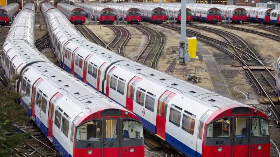 В лондонском метро произошел взрыв, есть пострадавшие