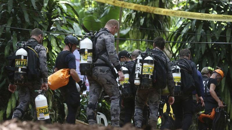 В Таиланде стартовала операция по спасению детей из затопленной пещеры