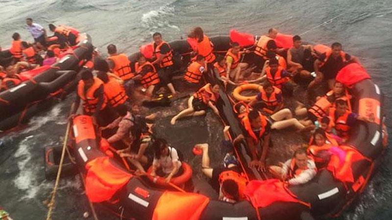 При крушении двух судов в Таиланде погибли 18 туристов, 39 пропали без вести