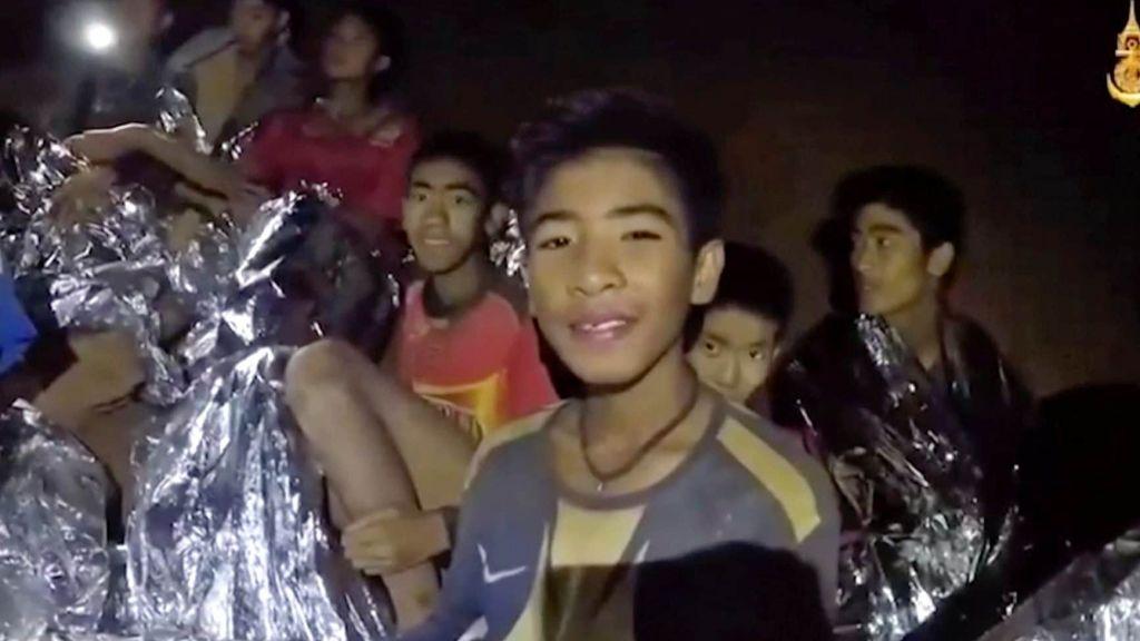 Из пещеры в Таиланде вызволили восьмого мальчика (ФОТО)