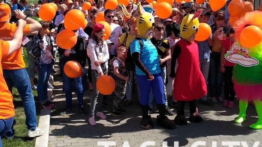В Нижнем Тагиле сотни горожан вышли на парад рыжих