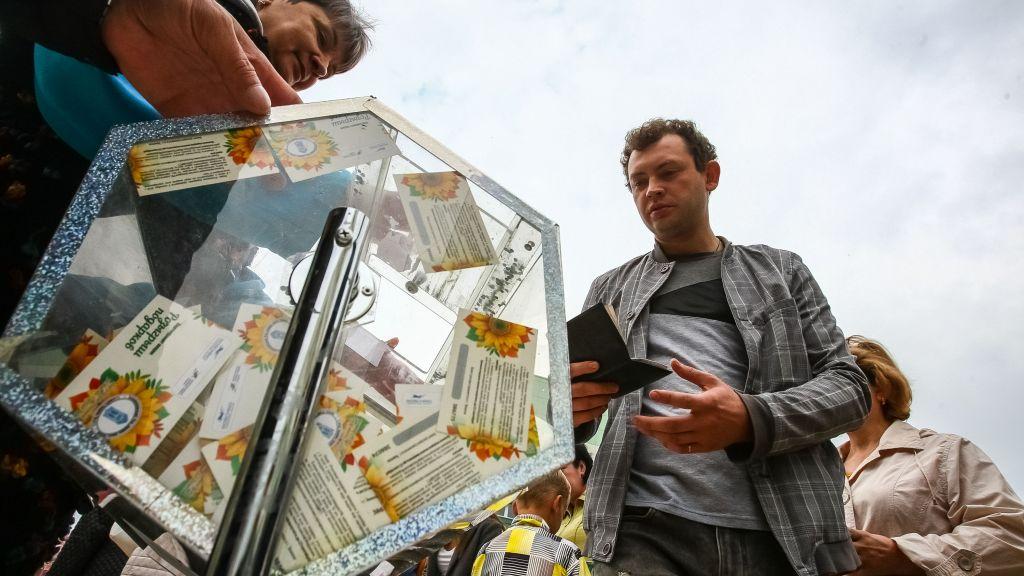 Тюменская осень: первые счастливчики уже выиграли квартиры иавтомобили!