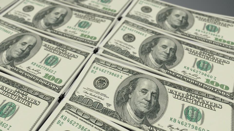 Сбежавший за границу экс-гендиректор Антипинского НПЗ требует от предприятия $10 млн