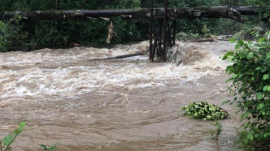 Угроза обрушения дамбы из-за паводка существует вБайкальске