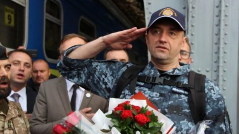 Помилованный Путиным украинский моряк огорошил представителей ЕС и США
