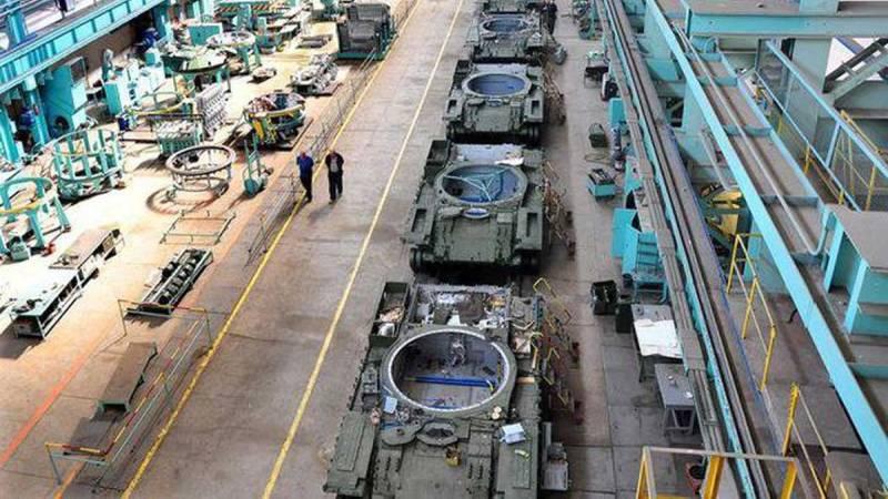 Один танк в десять лет: Зеленский шокирован развалом в Укроборонпроме