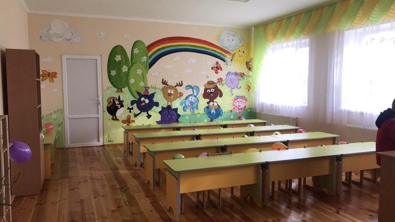 Во Львовской области потребовали стереть изображение «русских пропагандистских Смешариков» в детском саду