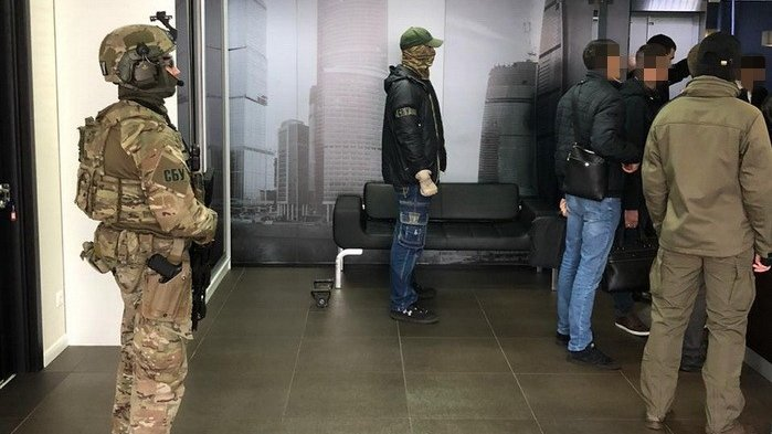 На Украине нашли виновного в «сдаче» Крыма, но он сбежал