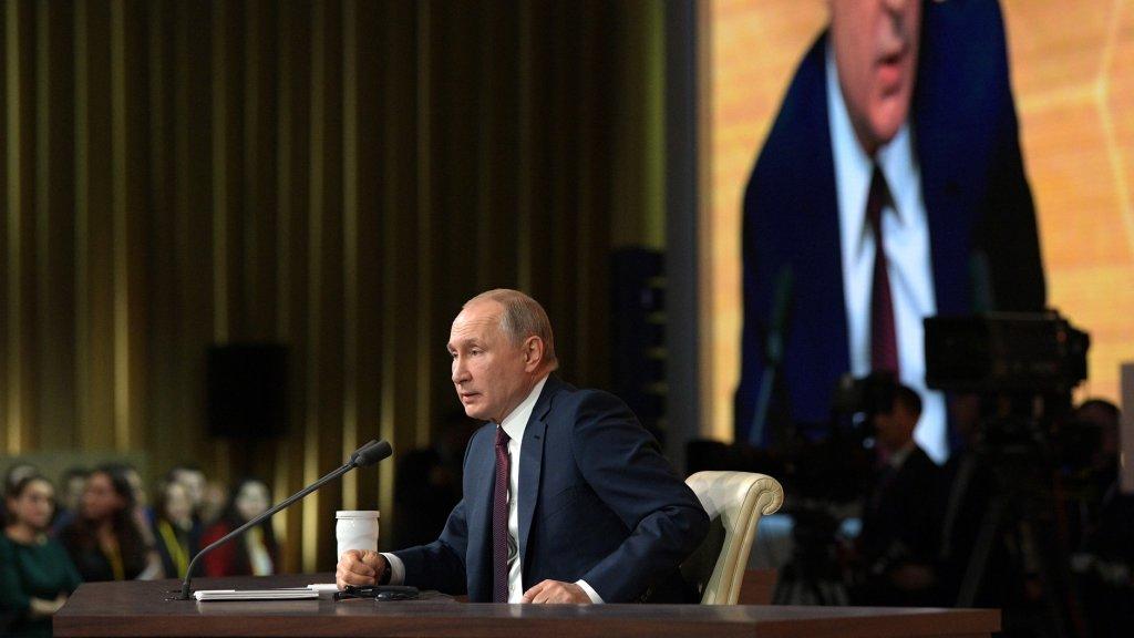 «Донбасс порожняк не гонит»: Путин бросил камень в Зеленского